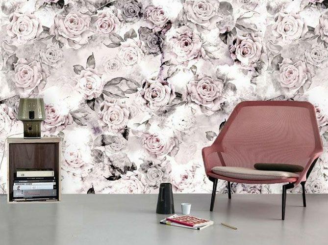 Mur avec tapisserie florale rose, blanche et noir pour une décoration fleurie sobre